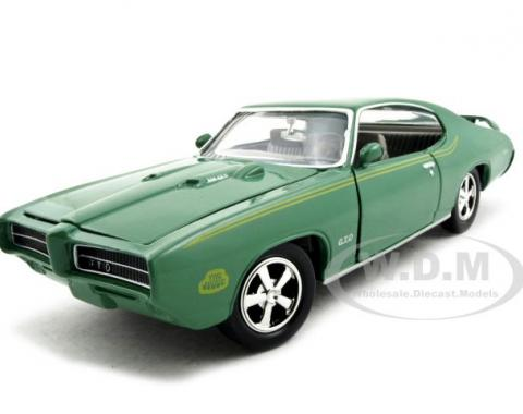 1969 Pontiac GTO Judge Green 1/24 Diecast Model Car